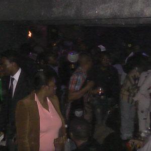 France-Cameroun: BAGARRE ENTRE LADY PONCE ET CHARLOTTE DIPANDA AUX KORA AWARDS 2012