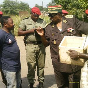 CAMEROUN :: L�Arm�e en deuil : Le g�n�ral Mambou Deffo, Inspecteur g�n�ral de la Gendarmerie nationale est d�c�d�  � l�h�pital de la CNPS � Yaound�  :: CAMEROON
