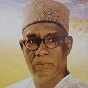 Cameroun : HAMIDOU YAYA, Paul Biya m�a tromp� sur la lev�e de la limitation des mandats :: CAMEROON
