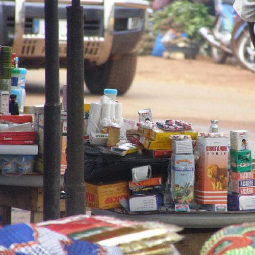 CAMEROUN :: Lutte contre le commerce illicite : Des produits contrefaits saisis :: CAMEROON