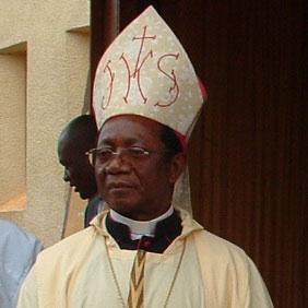 Cameroun : Monseigneur Tonye Bakot et le faux probl�me Bamil�k� du Cameroun