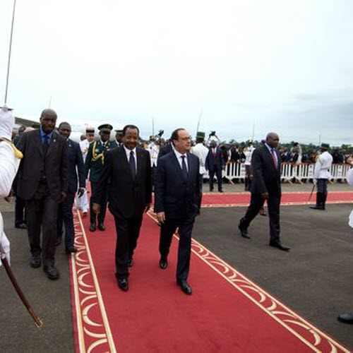 CAMEROUN :: Yaound� : Fran�ois Hollande accuse du retard :: CAMEROON