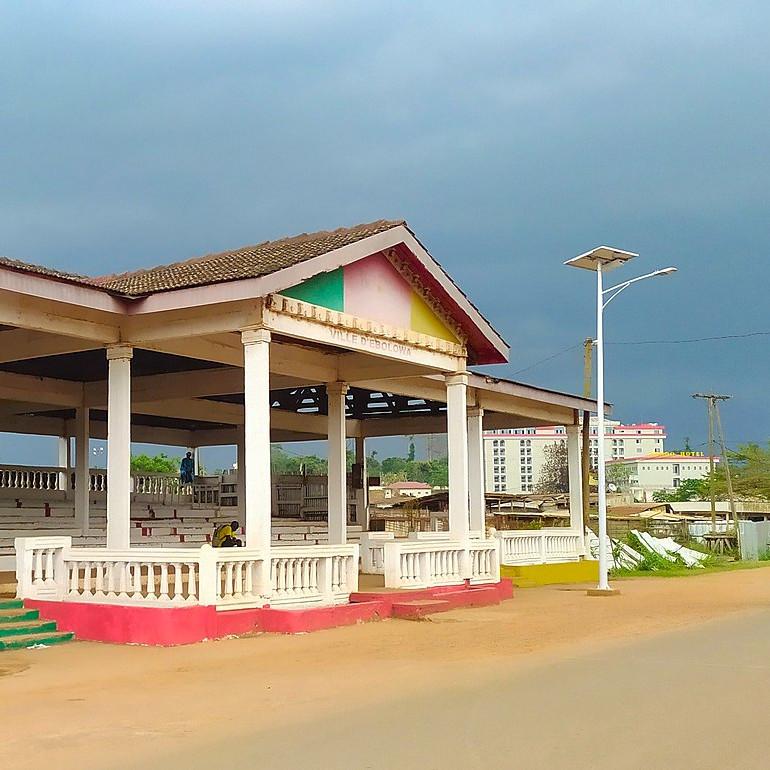 CAMEROUN :: Ebolowa : Un �l�ve � la pj :: CAMEROON