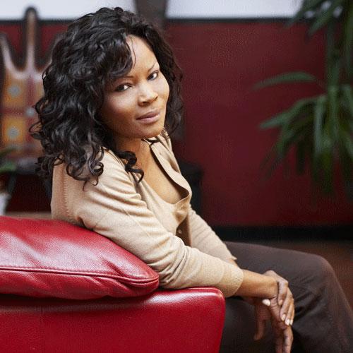 Calixthe Beyala : « Je découvre ahurie, qu'au Cameroun, une poignée de personnes prend tout »