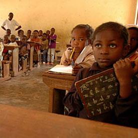 Zimbabwe: bientôt 4 langues à l'école ?