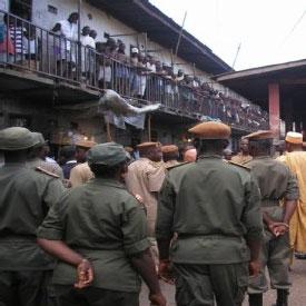 Prisonniers politiques, l'État zombie et la résilience à Yaoundé