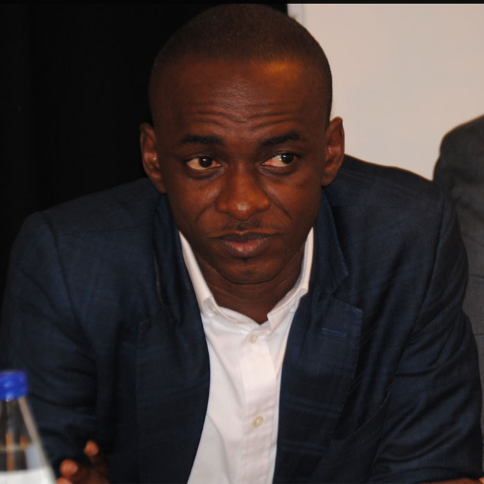 Manoeuvres : Cabale contre Cabral