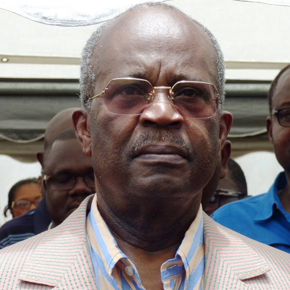 Nécrologie : Casimir Oyé Mba est mort à Paris à 79 ans