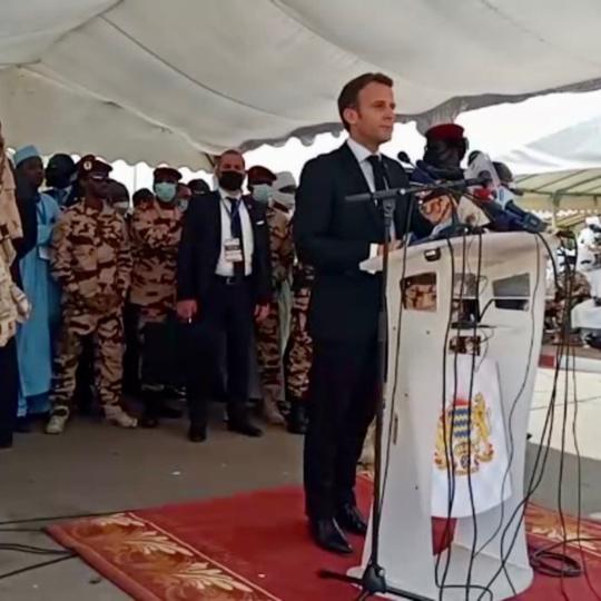 La France ne laissera personne remettre en cause ni menacer la stabilité et l'intégrité du Tchad