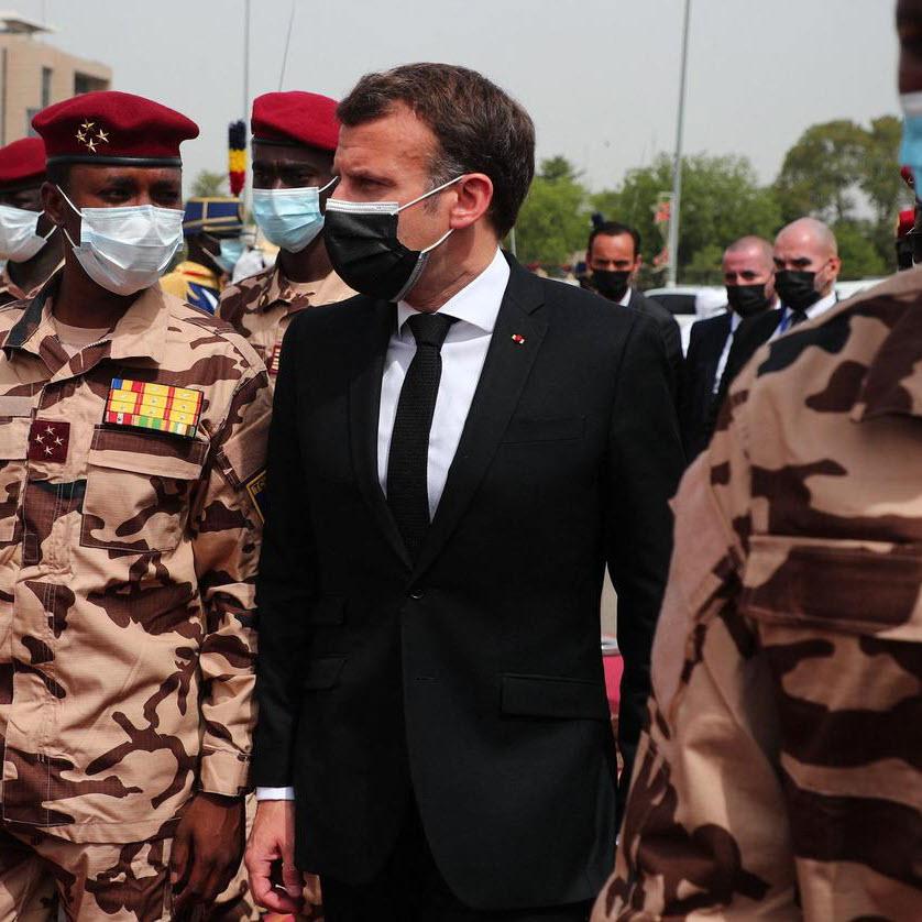 Emmanuel Macron cherche sa place dans le Tchad post-Déby