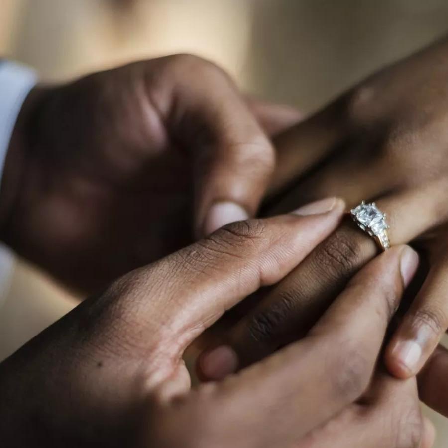 DÉCEPTION : Elle traîne son copain en justice pour rupture abusive de fiançailles