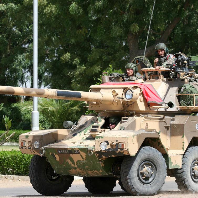 """La France soutient la dictature françafricaine tchadienne en lui donnant 9 blindés """"Sagaie"""""""