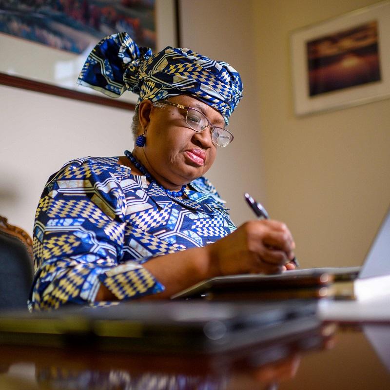 ELECTION D'UNE AFRICAINE A L'OMC OU LE VIEUX NEGRE ET LA MEDAILLE!