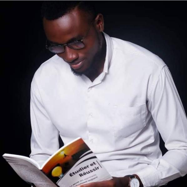 Arthur TONFO: «Etudier et réussir :le secret des apprenants qui réussissent toujours!».
