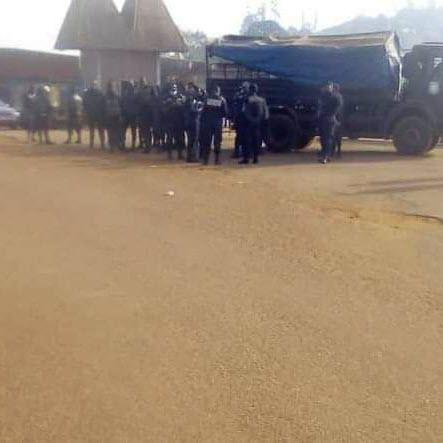 Gendarmes et policiers quadrillent le village de Sokoudjou