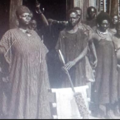 Série: La Reine-Mère NJAPDOUNKE,mère génitrice du Roi Ibrahim NJOYA