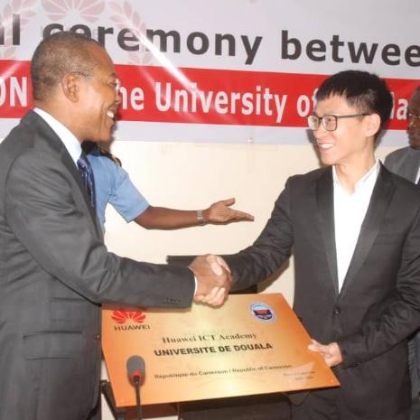 Huawei ICT Academy et  l'Université de Douala  renouvellent leur  partenariat