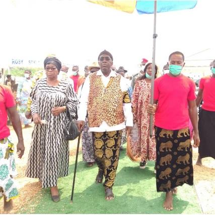 Tondè - Village: Sa Majesté le Recteur Sosso réunit les notables pour le développement du village
