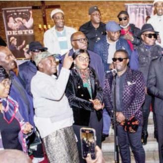 Nkotti François: L'hommage musical des artistes de la diaspora