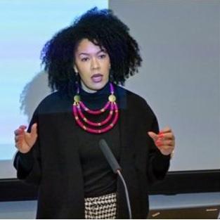 Michaela Moua, la Première Coordinatrice Anti-Racisme, au sein de la Commission européenne