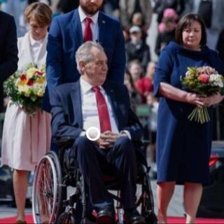 Le Sénat tchèque déclare le président Zeman incapable d'assurer ses fonctions