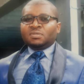 Dr DJOMOU YANGWA ARMEL : Soigner l'image et la réputation en entreprise.
