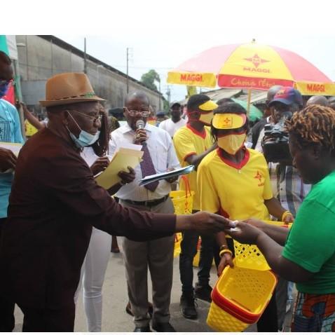 Journée Mami Lucia, Honorable Gabriel Fandja '' gâte '' les femmes Bayam Sellam de Douala 4è