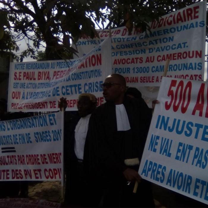 Grand dialogue National avec les tribunaux morts.