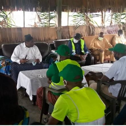 Douala: Le Maire Roger Mbassa Ndine en phase avec le village Yassa
