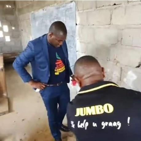 Tragédie de Kumba: L'influenceur Web STEVE FAH a-t-il le droit de pénétrer la scène de crime?
