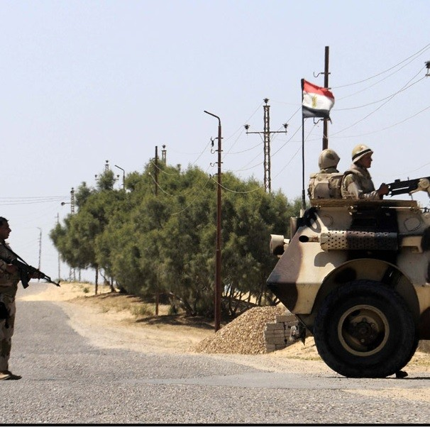 Explosion dans le Nord-Sinaï, dix soldats égyptiens tués ou blessés