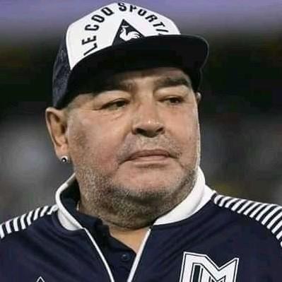 """Mort de Diego Maradona : """"Une lente agonie de six heures"""", les analyses toxicologiques ont parlé"""