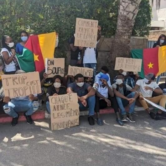 Mécontentement: Des étudiants camerounais manifestent devant l'ambassade du Cameroun à Rabat