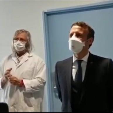 Visite chez le Pr Didier Raoult: Emmanuel Macron découvre que tous les médecins viennent d'Afrique
