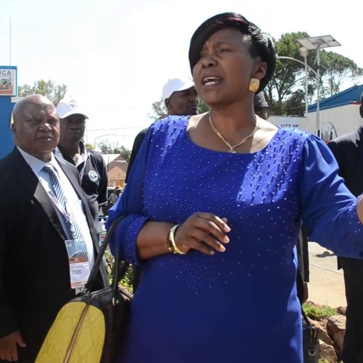 Coronavirus : La gaffe d'une ministre zimbabwéenne