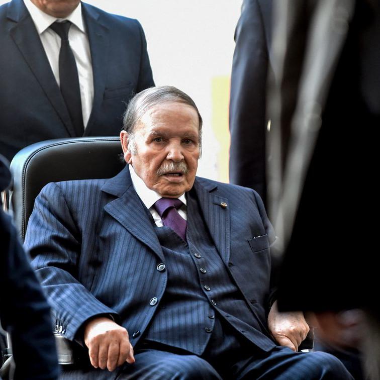 Algérie : face à la contestation populaire, Bouteflika lâché par des soutiens de poids