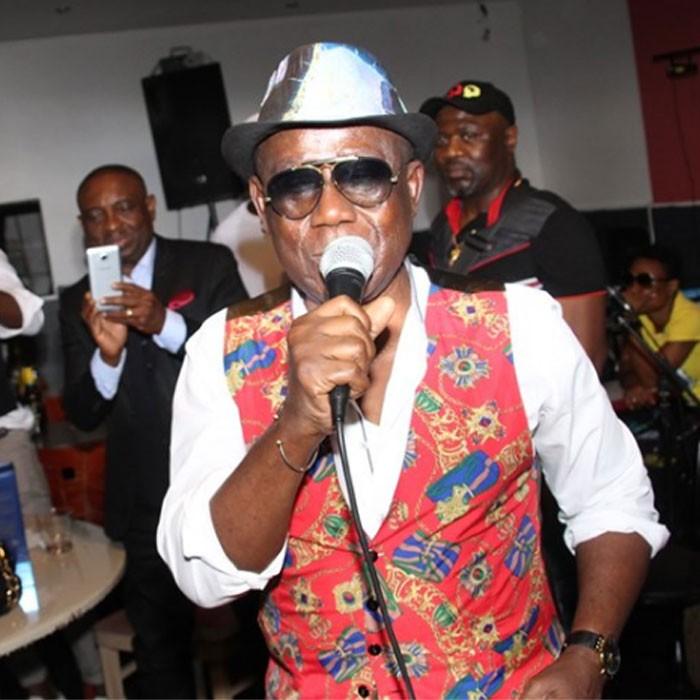 EKAMBI BRILLANT ENCOURAGE  L'AMBASSADE GOURMET PENDANT LE LIVE DU DIMANCHE