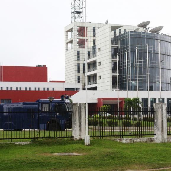 Coup d'état : des militaires annoncent un «conseil de la restauration» à la radio nationale