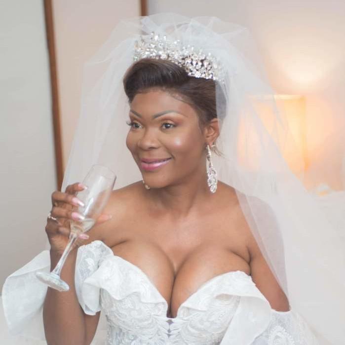 MARIAGE: LA BONNE ROBE N'EST PAS CELLE QUI ÉTALE VOTRE CAPITAL SÉDUCTION