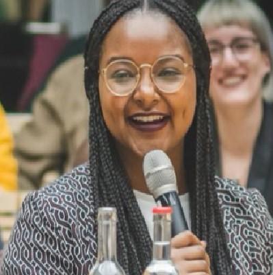 Aminata Touré, une jeune femme originaire du Mali, élue vice-présidente d'un parlement en Allemagne