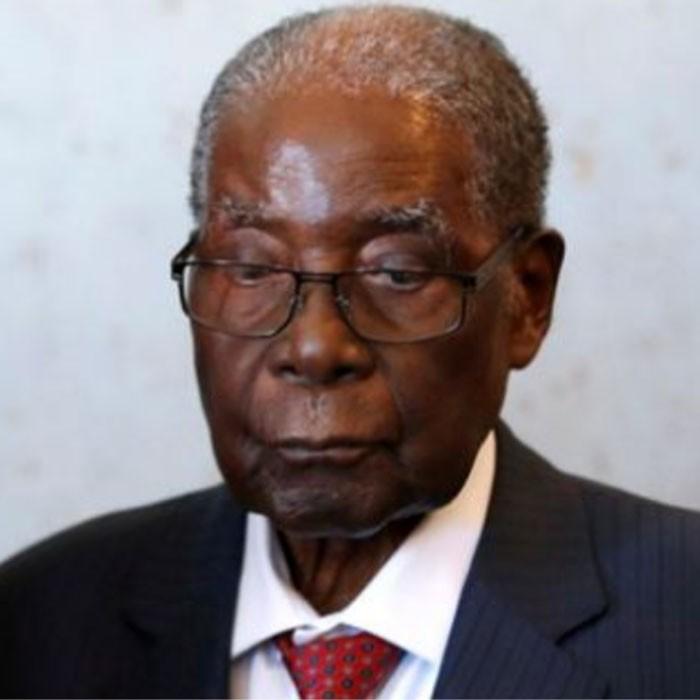 L'exhumation du corps de Robert Mugabe divise